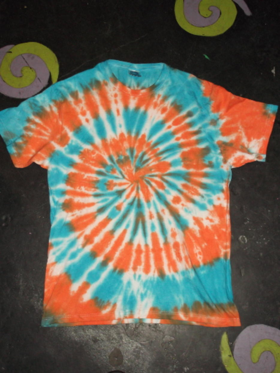 orange blue centre spiral t shirt short sleeve