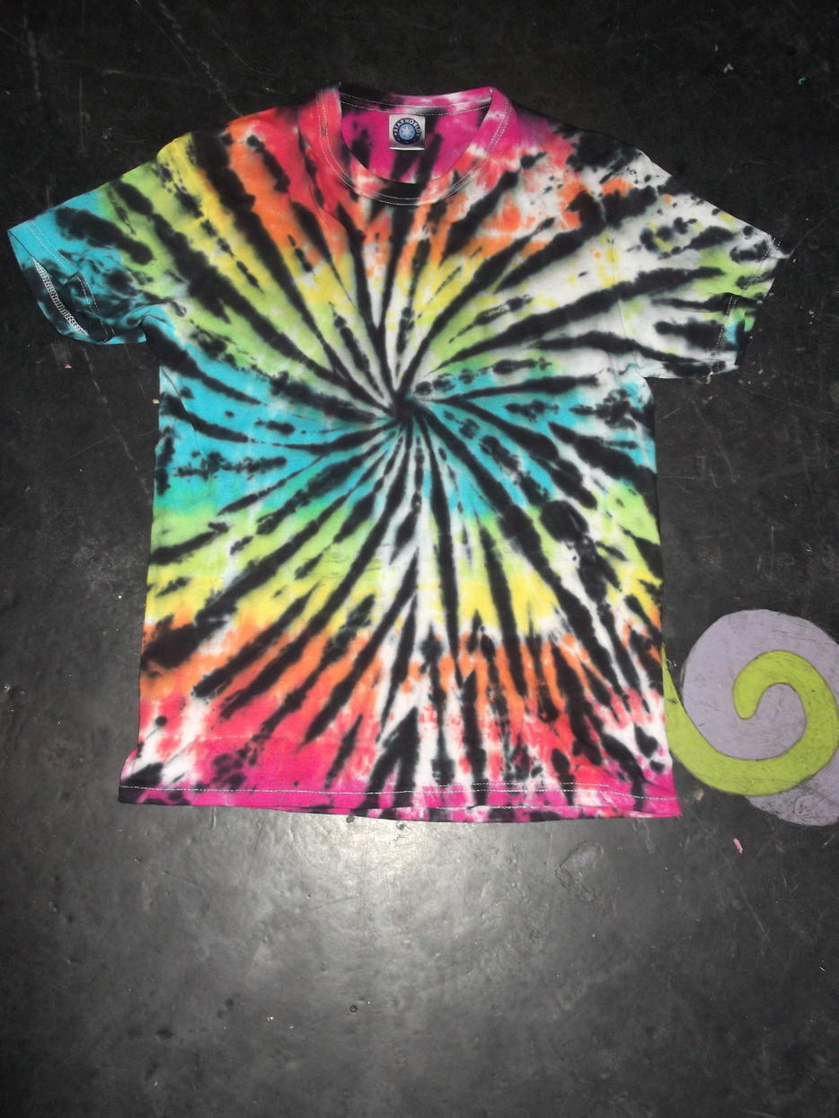 black rainbow spiral t shirt